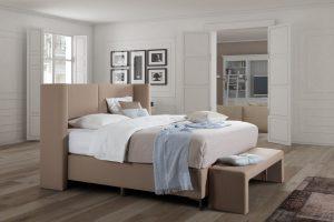 Van Landschoot Henson Design model Roxan